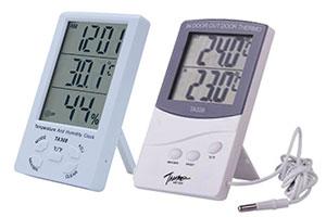 Электронные часы с термометром и гигрометром — полезная вещь в доме